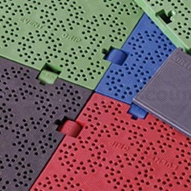 """Bodenbelag mit Klammersystem """"easy"""" grün, aus PE Material mit 100x100x2,2cm"""