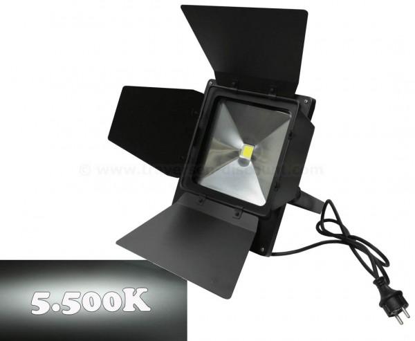 LED Flächen Strahler mit 50Watt breitstrahlend tageslicht, IP65 mit Torblenden 5500K